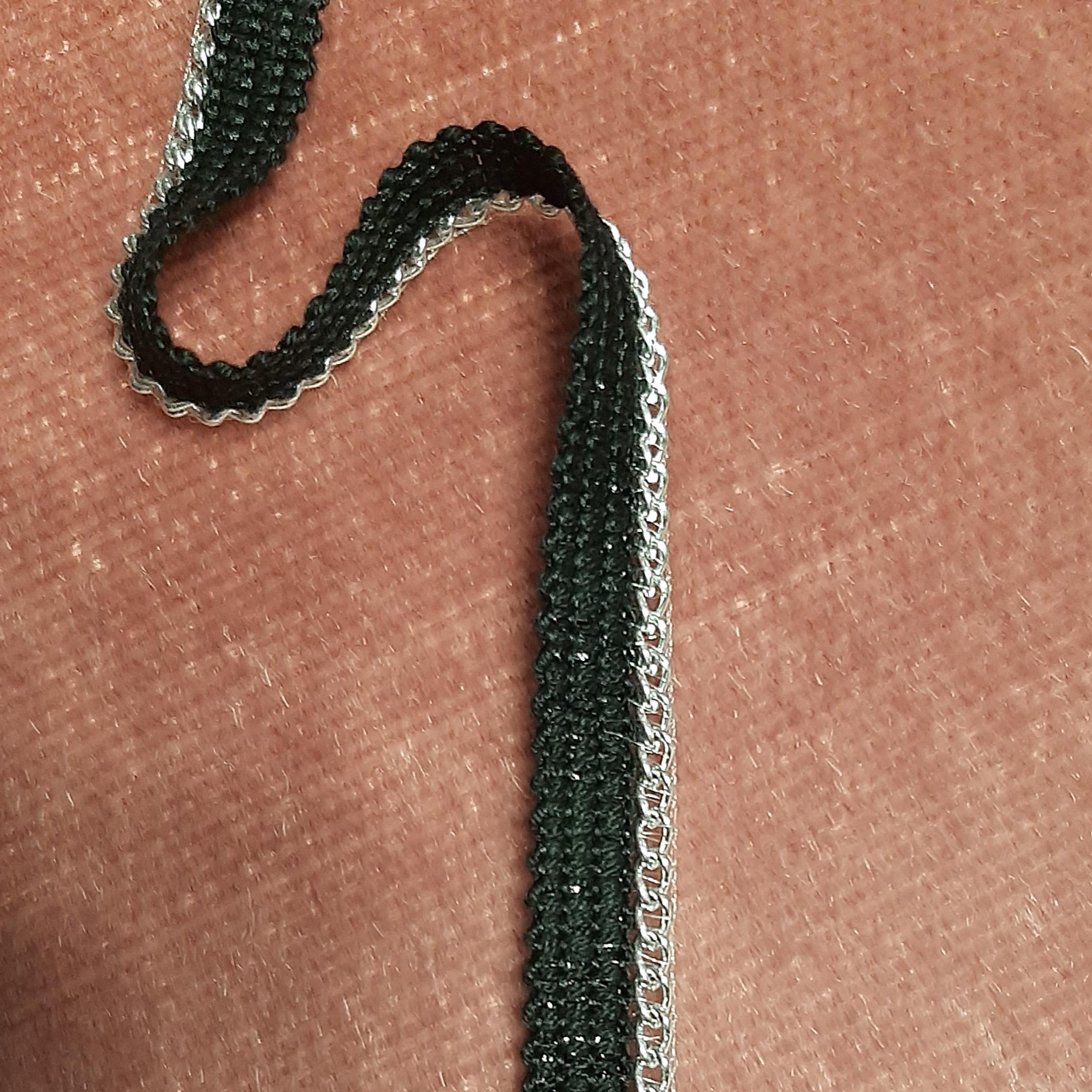 Band  mit  Kette  aus  Paspel    silber  schwarz