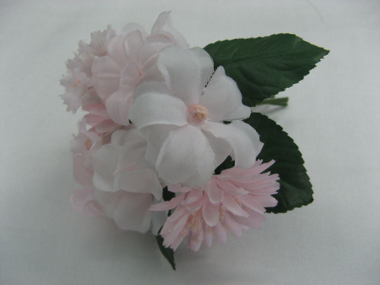 Ansteckblume, rosa mit gr